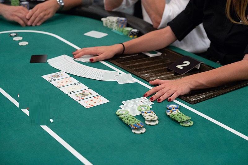 Онлайн покер выбрать карты дурак подкидной играть